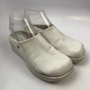 Nurse Mates 9 US M Women Mules Clogs Shoes White N